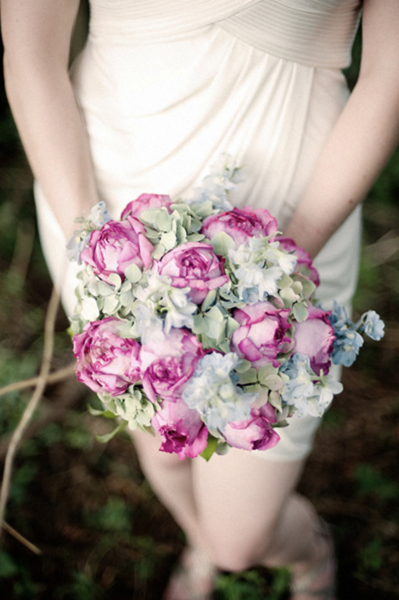 dusty pink and pale green bouquet
