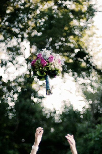 tossing bouquet