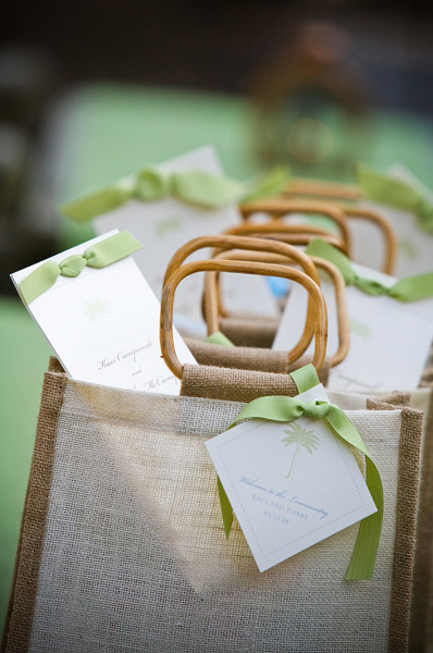 Wedding Gift Bag Suggestions : best bets are beach bags or reusable shopping bags which both fold ...