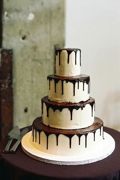 chocolate drip wedding cake ideas winter wedding cakes 12699