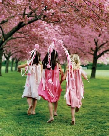flowr girls ribbon wands