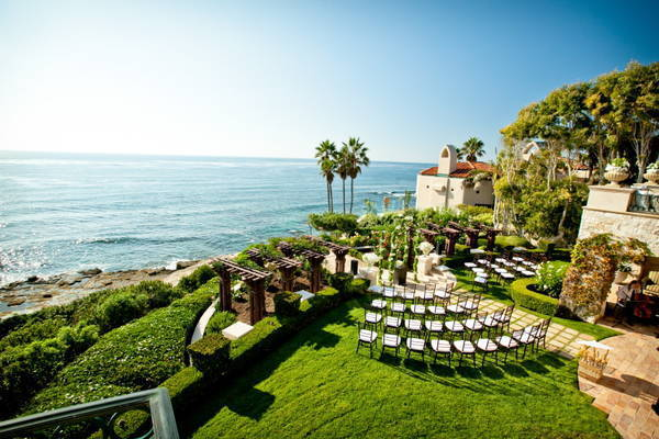 oceanfront outdoor wedding ceremony