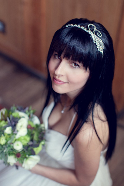 bride wearing crystal headband