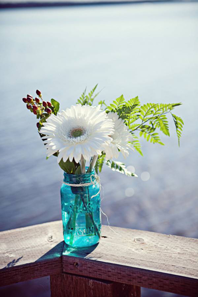 blue mason jar wedding flowers