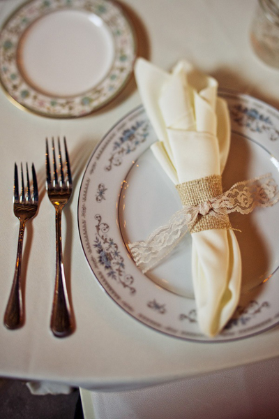 wedding napkins wrapped with burlap and lace