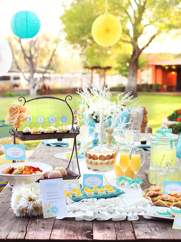 Spring table setting ideas for Outdoor brunch decorating ideas