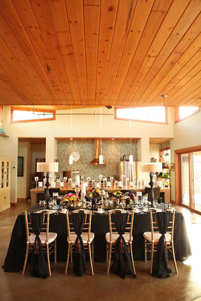 black and gold wedding linens