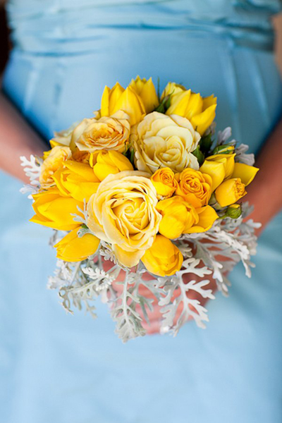 yellow bridesmaid bouquet with dusty miller