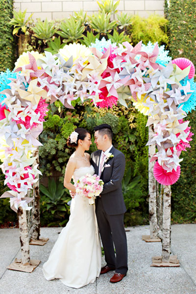 How To Decorate A Wedding Arch With Mesh