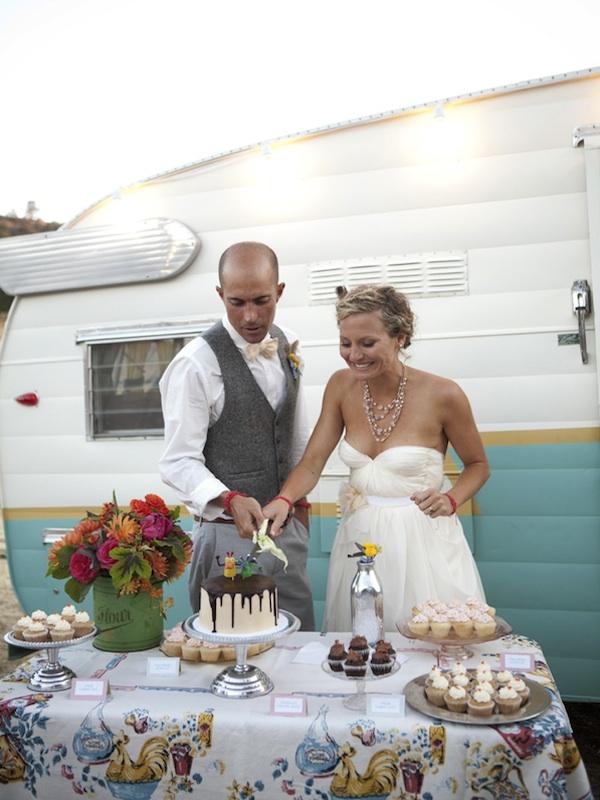 Food trucks at weddings for Wedding ideas for small weddings