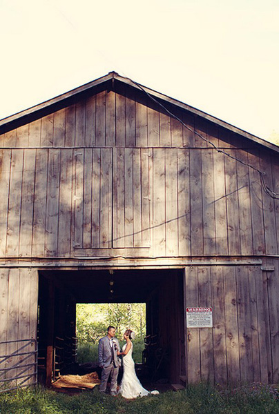 Smoky Mountain barn wedding