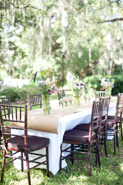 outdoor reception table with kraft paper