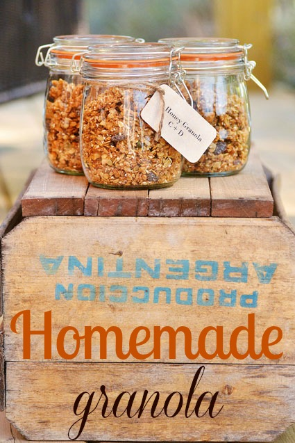 Homemade granola favors add a rustic , down-home touch to a wedding ...