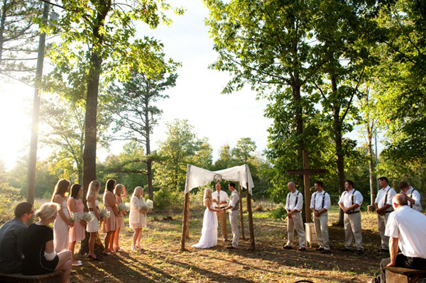 outdoor rustic Arkansas wedding ceremony