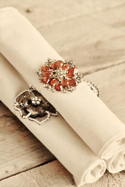 brooch napkin rings