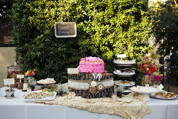 rustic outdoor sweet table