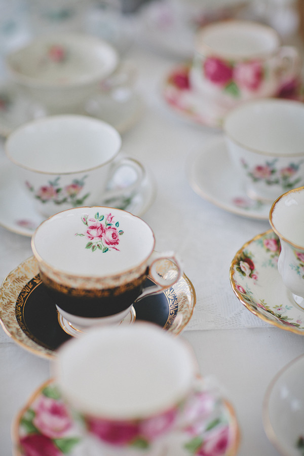 vintage wedding tea cups