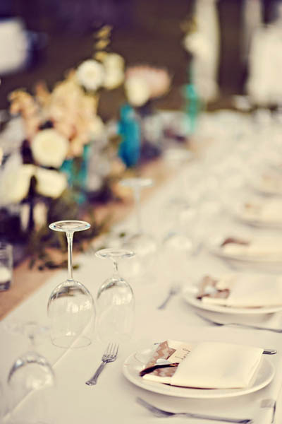 outdoor Hawaii wedding table