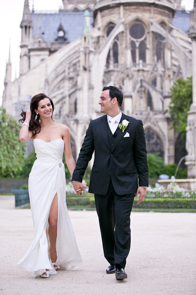 bride and groom walking in Paris