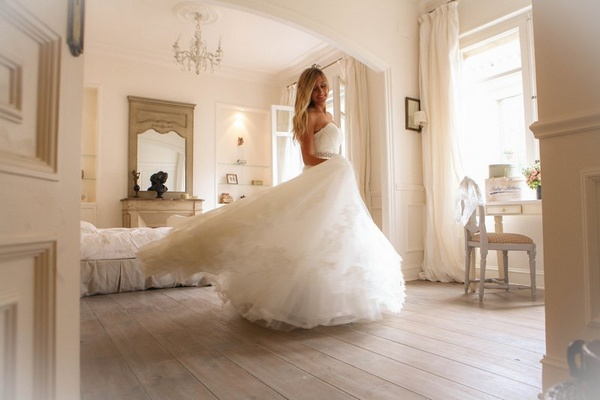 bride in Pronovias wedding gown