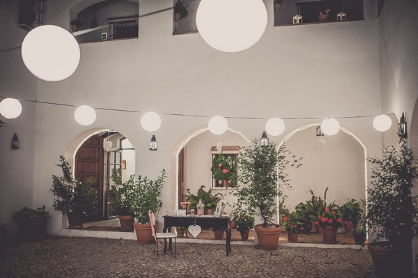 intimate wedding spanish