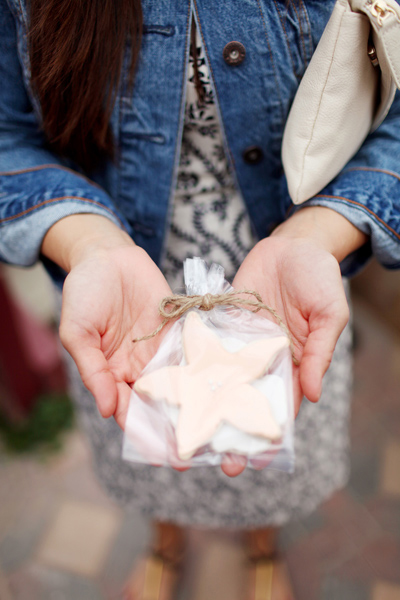 starfish cookie wedding favor