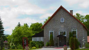 at-the-schoolhouse-ottawa-ON-04