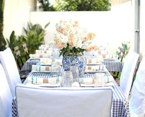 ... Harmoniously Together With Gingham. For A Country Chic Statement, Line  Your Table With A Table Runner Or Cloth That Gives Nod To A Casual Summer  Soiree.