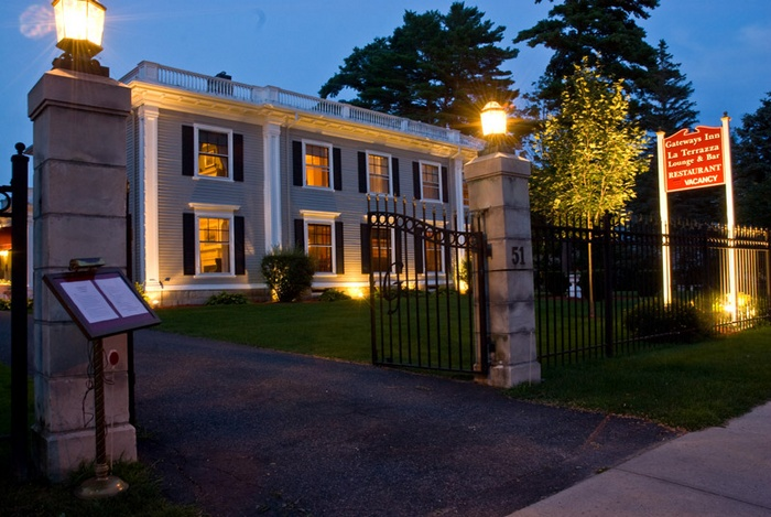 Intimate Wedding Venue in Lenox, MA - The Gateways Inn