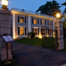 gateways-inn-lenox-ma-featured