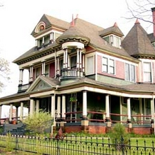 Inn Of Many Faces Bed Breakfast
