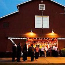 strawberry-farms-barn-weddings-thumb