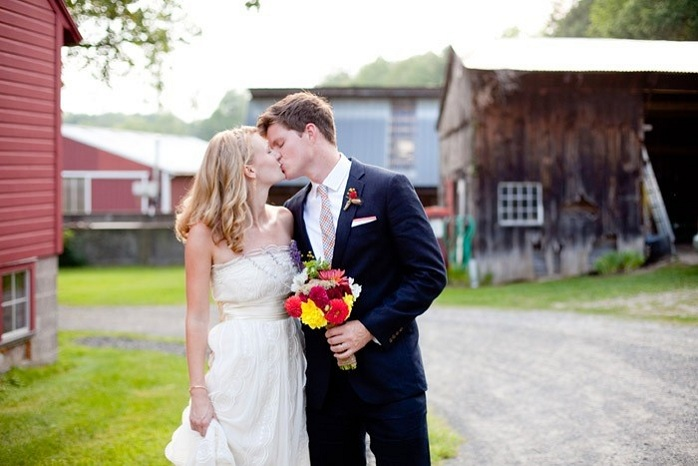 amherst-massachusetts-wedding-photography-barn-wedding