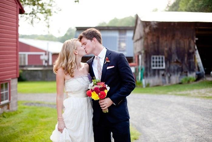 amherst-massachusetts-wedding-photography-barn-wedding