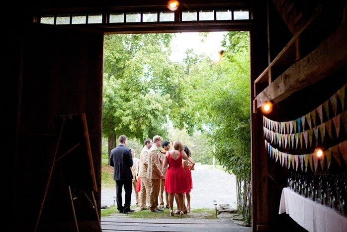 barn-wedding-bridal-party-paige-paul
