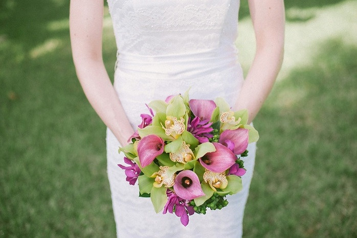 beach-wedding-bridal-bouquet-purple-green