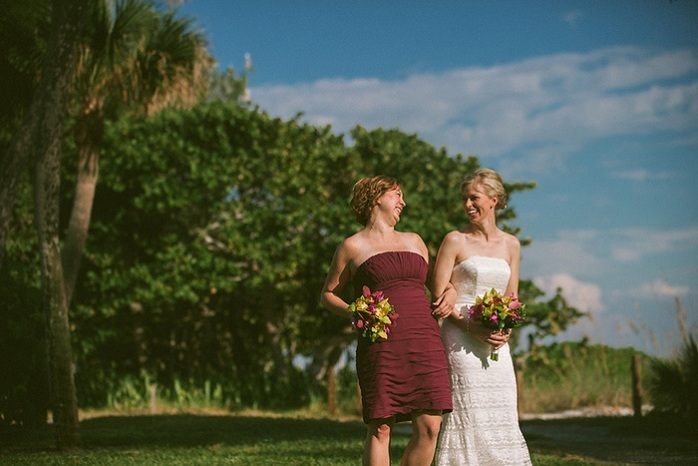 beach-wedding-bride-maid-of-honor-photography