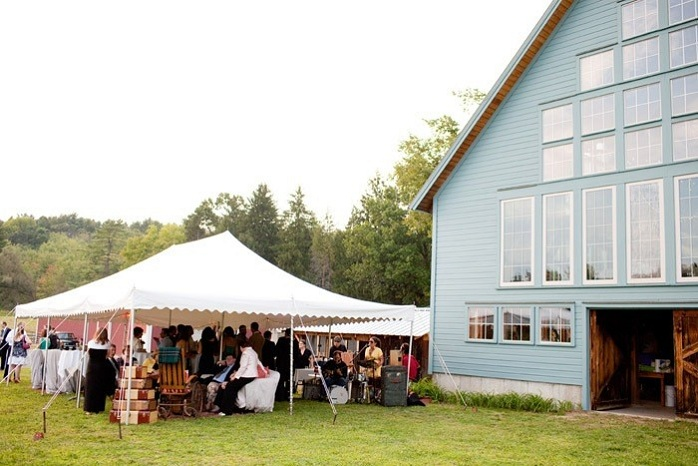 bramble-hill-farm-wedding-reception-massachusetts-venue