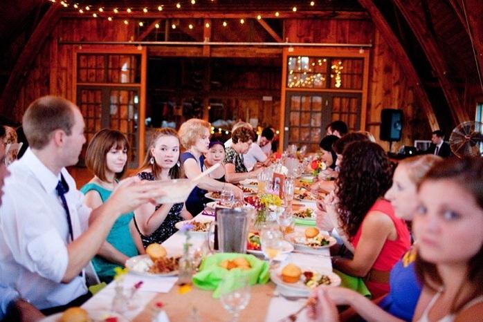 family-style-wedding-reception-food-barn-paige-paul
