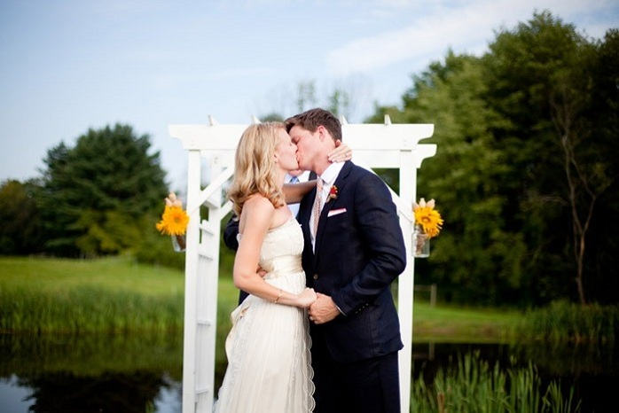 farm-wedding-ceremony-kiss-paige-paul