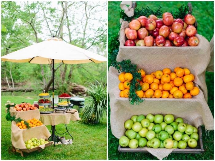 Barn Wedding tràn đầy hương vị cuộc sống thôn quê với những giỏ trái cây đủ màu sắc.
