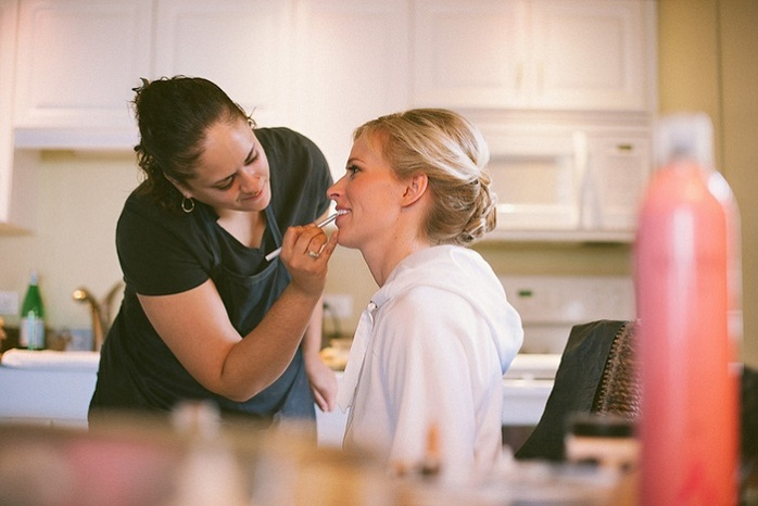 getting-ready-photos-beach-wedding-bridal-sarah-steven