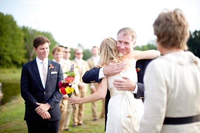 intimate-wedding-ceremony-massachusetts-farm-outdoor