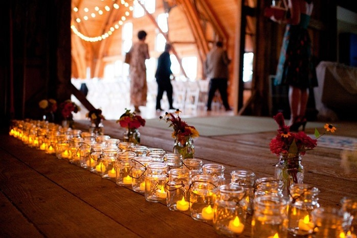 mason-jar-wedding-decor-rustic-barn-wedding