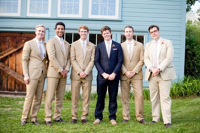 massachusetts-barn-wedding-photography-groomsmen