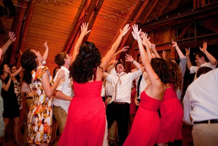 real-wedding-reception-guests-dancing-paige-paul