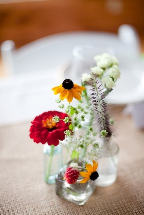 rustic-barn-wedding-massachusetts-flowers
