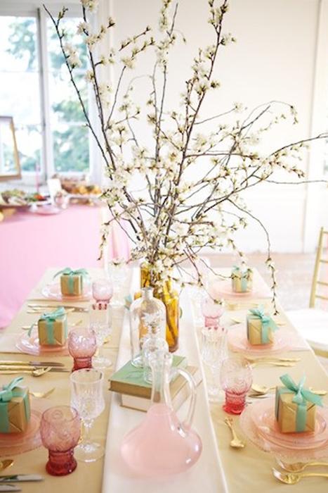 Ngày nay, Depression glass xuất hiện tuyệt đẹp trong những đám cưới chuộng phong cách cổ điển lãng mạn.