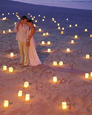 beach-wedding-decor-candles