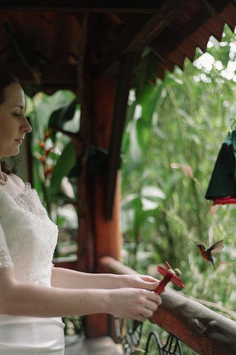 costa-rica-la-paz-waterfall-garden-wedding-feeding-hummingbirds